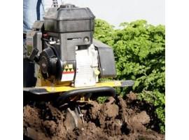Использование культиватора для обработки почвы